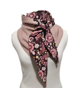 Purjerengashuivi ornamenttikukat roosa. big knit.
